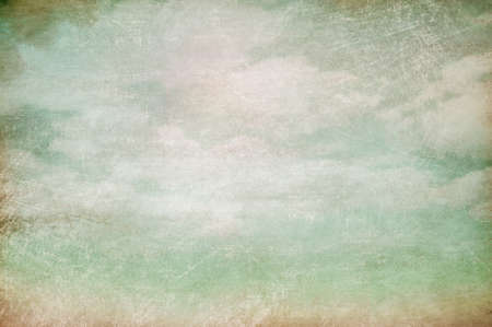 ciel avec nuages: Ciel nuageux vieux fond vintage Banque d'images