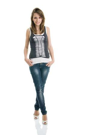 blusa: Chica adolescente casual posando