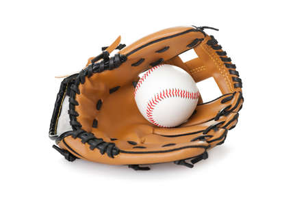 guante de beisbol: La imagen del b�isbol en el interior del guante aisladas sobre fondo blanco Foto de archivo