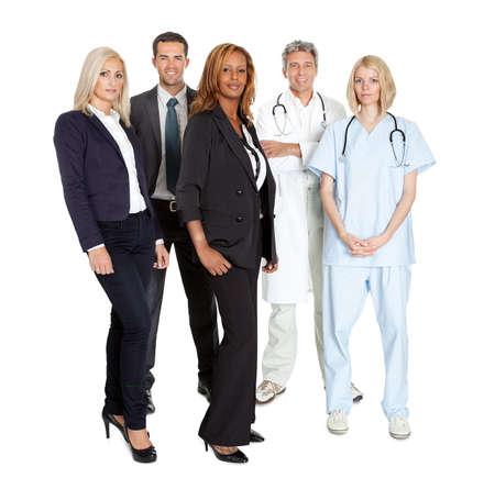 Portrait einer Gruppe von arbeitenden Menschen zuversichtlich �ber wei�em Hintergrund