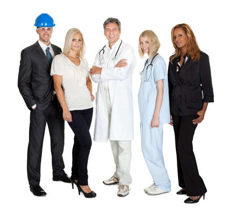 diferentes profesiones: Retrato de la gente de diferentes profesiones de pie juntos en blanco