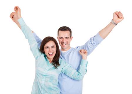 personas saludables: Retrato de una pareja joven y bella. Aislado en blanco