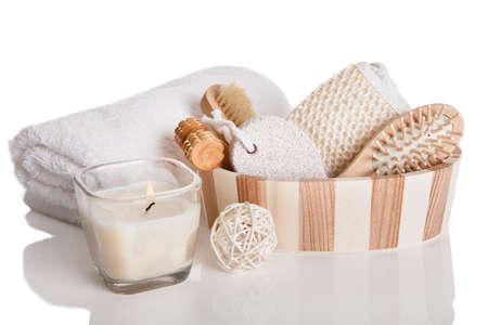 lavar trastes: Bath Spa Masaje Kit aislado sobre fondo blanco