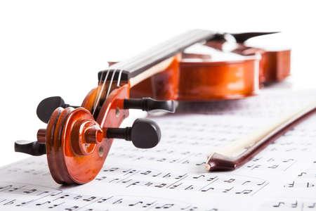 violines: Close-up Foto De Violín Y Notas Musicales
