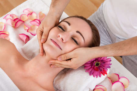 Woman getting treatment in the spa centre Stock Photo - 20505120