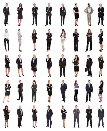 mujer cuerpo completo: Grupo de multi étnica de negocios que se colocan sobre el fondo blanco