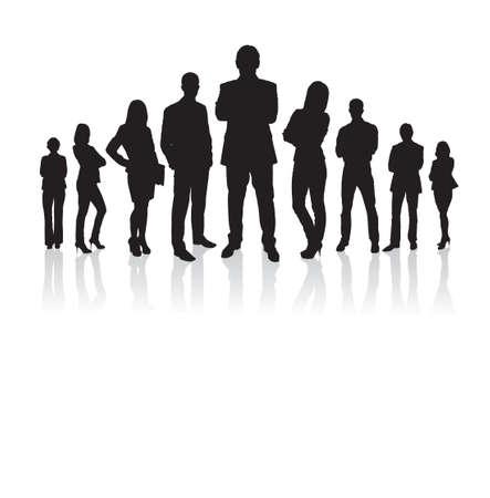Longitud total de la gente de negocios de silueta con los brazos cruzados de pie contra el fondo blanco. Vector de imagen