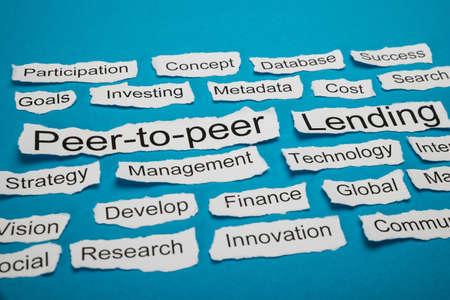 peer to peer: Peer-to-peer y de préstamo de texto en trozo de papel saliente Entre Otras Palabras clave relacionadas