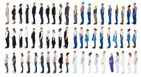 Collage van mensen met verschillende beroepen in de rij staan tegen een witte achtergrond Stockfoto