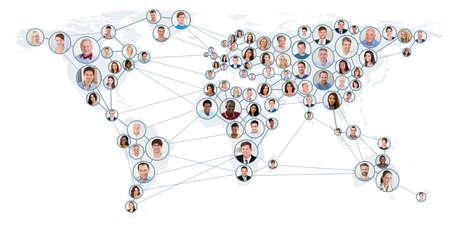 Collage de personas con una red y de la comunicación Concepto en el mapa mundial. Concepto global de negocios