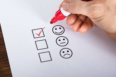 Tick Placed In Excellent Checkbox On Customer Service Satisfaction Survey Form Фото со стока - 72006620