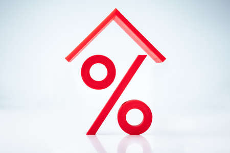 House Roof Over Mortgage Interest Rate Percentage Sign Stok Fotoğraf - 129802274
