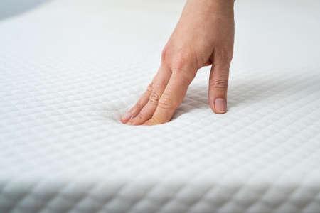 Hand Testing Orthopedic Memory Foam Core Mattress Stock fotó