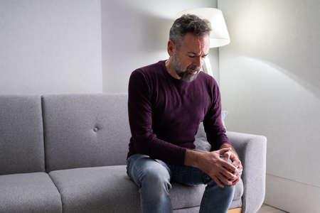 Knee Joint Pain After Injury. Elder With Arthritis Stockfoto