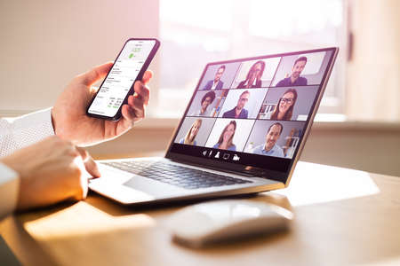 Digital Online Webinar Conference On Laptop Computer Screen Standard-Bild