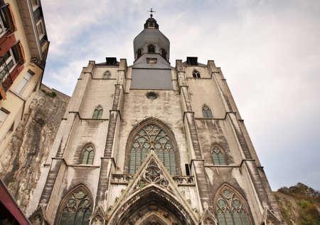 belgien: Collegiate church of Notre Dame in Dinant. Belgique