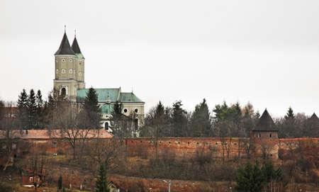 benedictine: Iglesia de San Nicol�s y la abad�a benedictina en Jaroslaw. Polonia