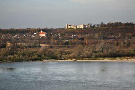 kazimierz dolny: Panoramic view of Janowiec near Kazimierz Dolny. Poland