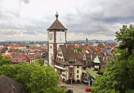 フライブルク ・ イム ・ ブライスガウのパノラマ風景。ドイツ