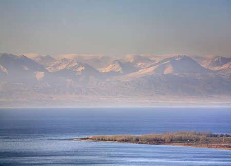 kyrgyzstan: Lake Issyk-Kul. Kyrgyzstan Foto de archivo