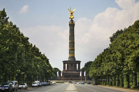 Victory column (Siegessaule) at Great Star square in Tiergarten. Berlin. Germany Standard-Bild