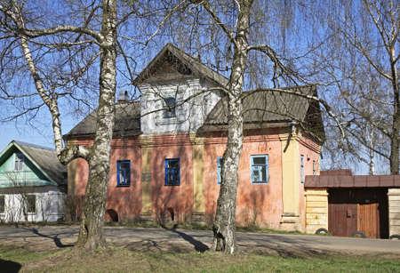 Former townhouse in Ostashkov. Russia Archivio Fotografico - 123131908