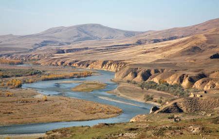 Rzeka Kura w Uplistsikhe w pobliżu Gori. Region Shida Kartli. Gruzja