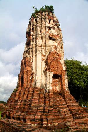 Pagoda at Wat Chaiwattanaram Temple, Ayutthaya, Thailand Stock Photo - 11345155