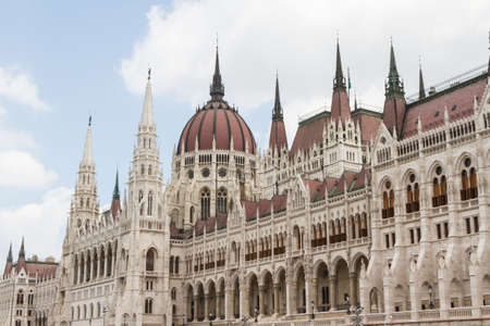 Budapest, el edificio del Parlamento (Hungr�a) photo