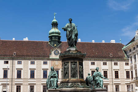 hofburg: Palais Hofburg et monument. Vienna.Austria.