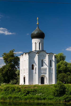 Church of the Intercession on the River Nerl Stock Photo - 16921933