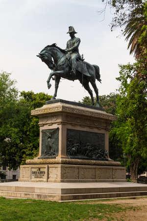 alberto: Estatua de carlo alberto