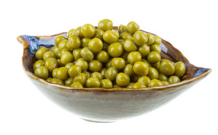 green peas, in a bowl, isolated, white background Stock Photo - 17279500