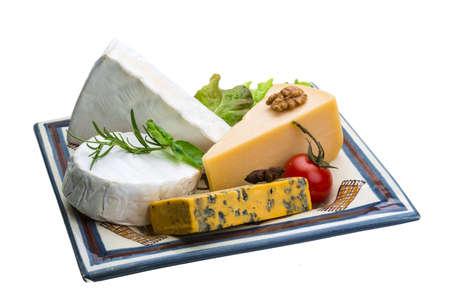 ナッツとハーブの様々 なチーズの品揃え