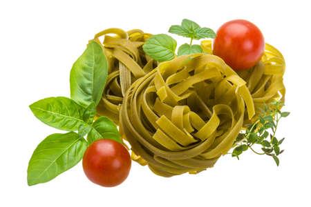 maccheroni: Spinach tagliatelle with basil and tomato