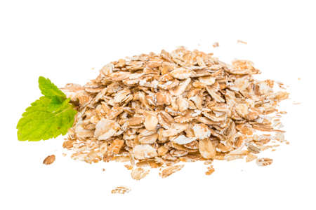 Oats isolated heap