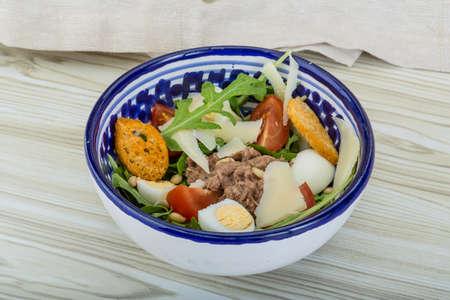 ruccola: Tuna salad with ruccola and quail eggs Stock Photo