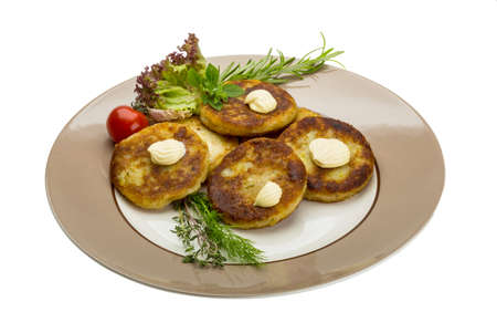 hash: Hash browns with herbs on the plate