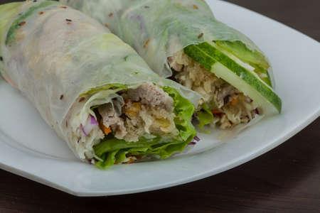 goi: Vietnamese spring roll with pork, shrimp and vegetables