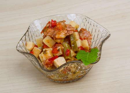 potato tuna: Nicoise salad with tuna, potato and olives