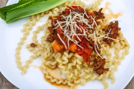 fussili: Long Fussili with beef minced meat and parmesan cheese