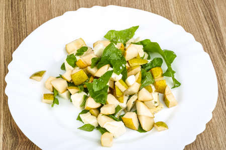 rucola: Sweet pear, blue cheese and rucola salad with sesame seeds
