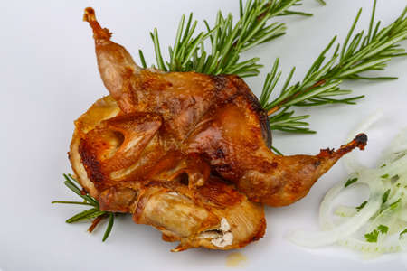 fine legs: Grilled quail with rosemary and onion rings