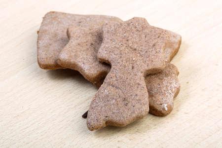 galletas de jengibre: Traditional Ginger cookies on the wood background Foto de archivo