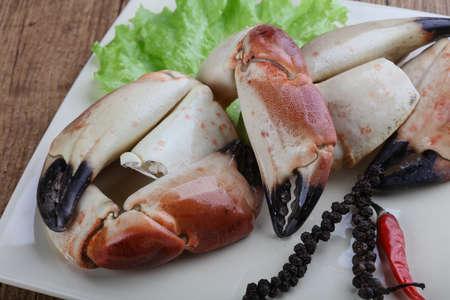 manjar: Fresh seafood - Crad claws with delicacy meat Foto de archivo