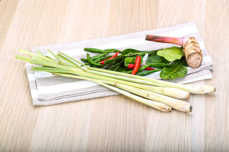 tom': Tom yam herbs and spices set