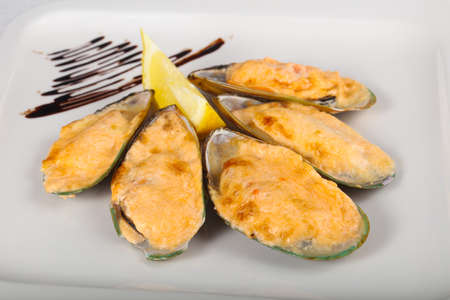 mussel: Baked mussels with cheese