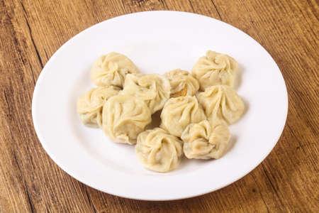 중국 만두 - 모모 새우, 닭고기, 쇠고기 또는 돼지 고기