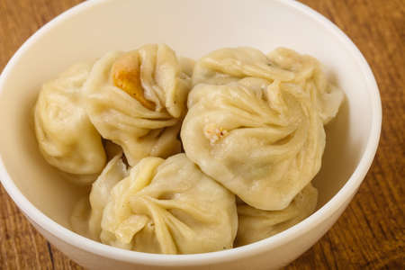 中国の餃子-エビのぬいぐるみ、鶏肉、牛肉または豚肉