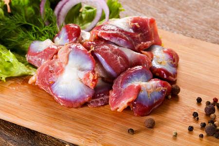 Estomac de poulet cru pour la cuisson